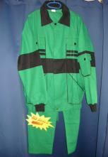 Montérkový odev MAXIM nohavice s trakmi blúza s nápletmi stredne zeleno/čierny